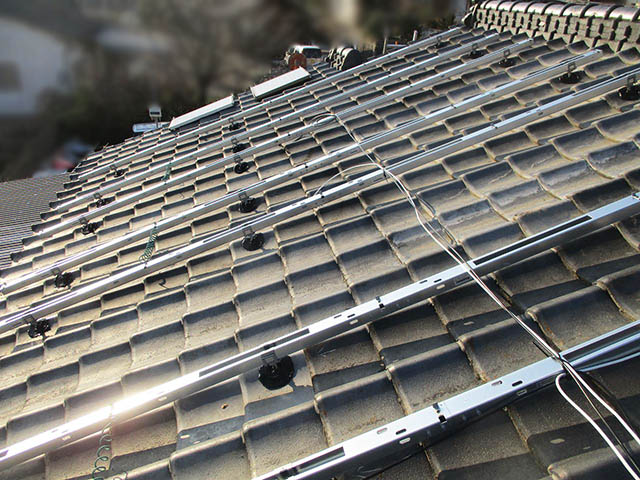 田川郡のS様邸 太陽電池モジュールの架台フレーム設置