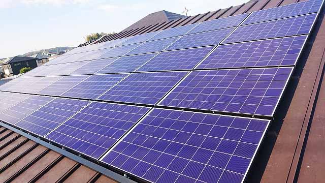 宮崎市 T様邸 屋根一面に太陽電池モジュール