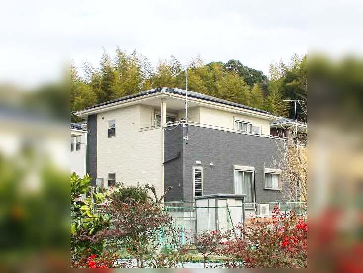 久留米市の山下様邸にて太陽光発電システム設置工事