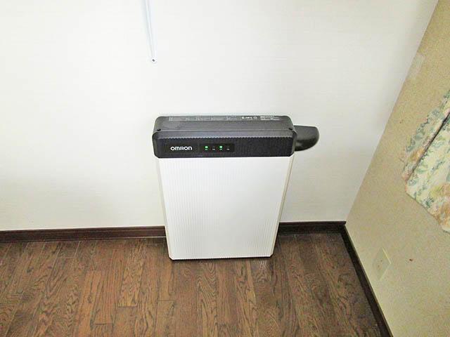 八女郡の原様邸 オムロンの蓄電池6.5kWhタイプ本体設置済み 屋内