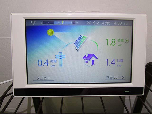 久留米市の山下様邸にて太陽光発電のカラーモニター設置