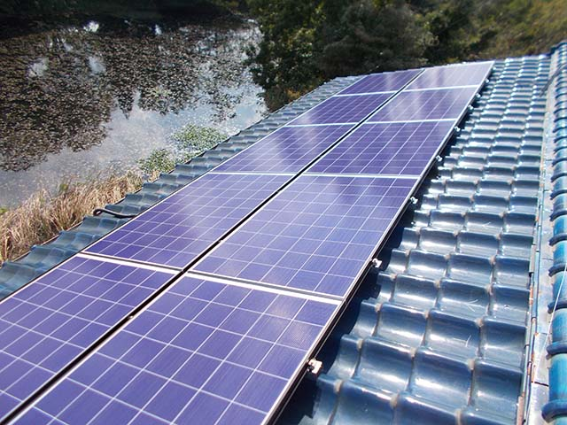 中津市 K様邸 太陽光発電の太陽電池パネル