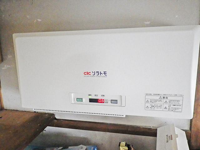 中津市 K様邸 太陽光発電のパワーコンディショナ