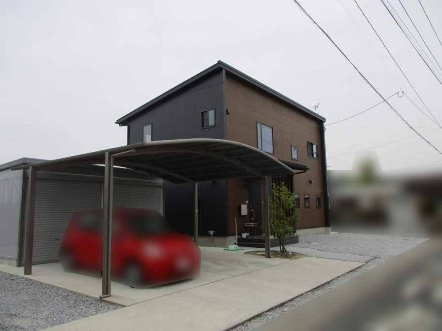 福岡県鞍手郡のU様邸にて、長州の太陽光発電システム(CS-286G31)を 設置させて頂きました。