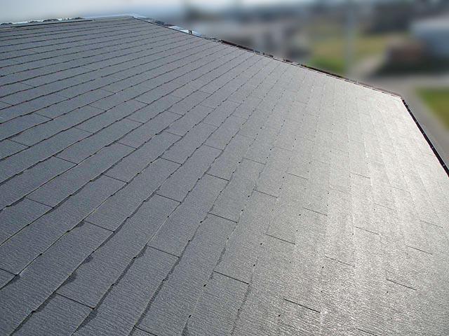 筑後市のT様邸にて太陽光発電システムの設置工事をしました。パネル設置前のスレート屋根写真です。