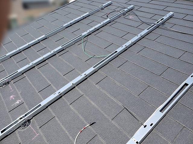福岡市東区のI様邸にて長州産業Gシリーズの太陽光発電システム工事しました。架台設置写真です。