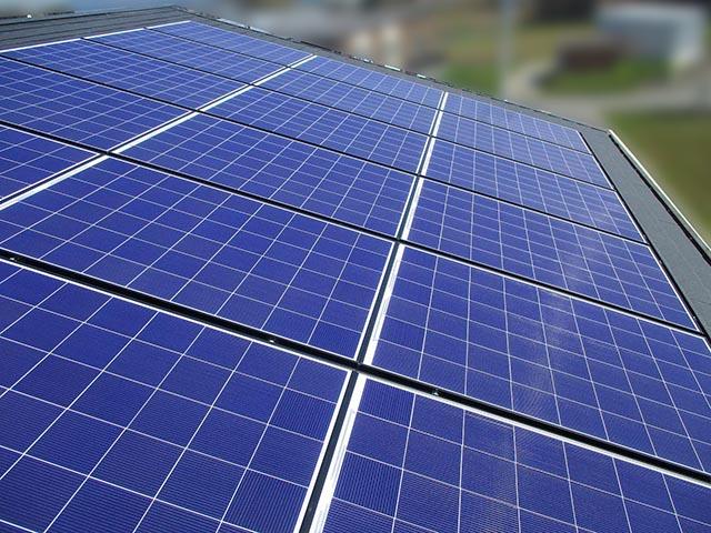 筑後市のT様邸にて太陽光発電システムの設置工事をしました。