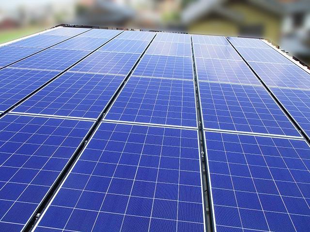 筑後市のK様邸で太陽光発電の設置工事しました。長州産業のパネルが乗りました。