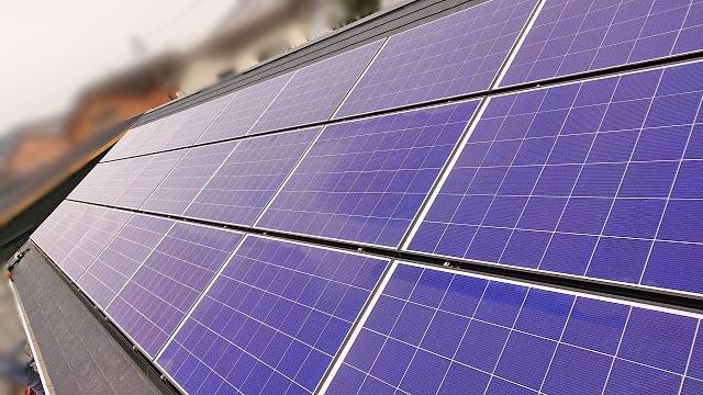 宮崎市のY様邸で太陽光発電の設置工事しました