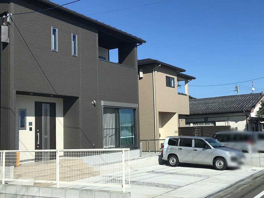 宮崎市の松浦様邸にて、太陽光発電設置工事します。