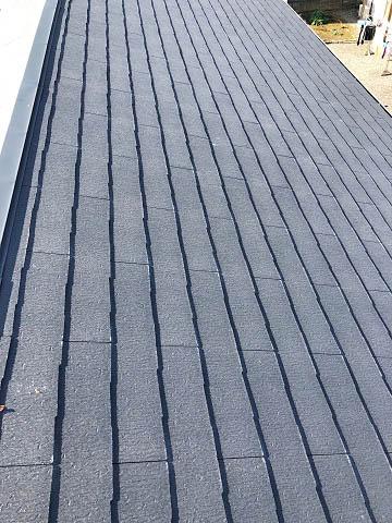 スレートの屋根に太陽光発電設置工事します