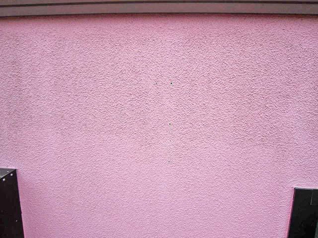 福岡県朝倉郡の渡辺様邸にて長州産業のフレキシブル蓄電システムの設置工事をしました。パワコン設置前の壁面。