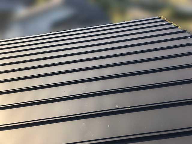 宮崎市のS様邸で長州産業の太陽光発電システム設置工事中