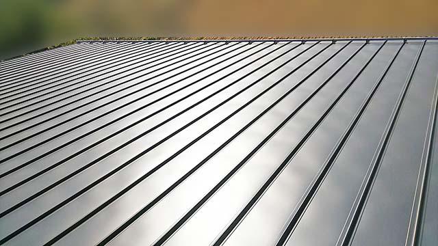 瑞穂市のF様邸にてパナソニックの太陽光発電システム工事しました。施工前の屋根。