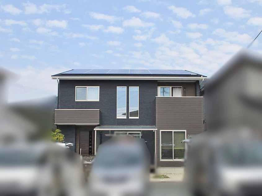 糟屋郡宇美町のI様邸にて太陽光発電の工事しました。