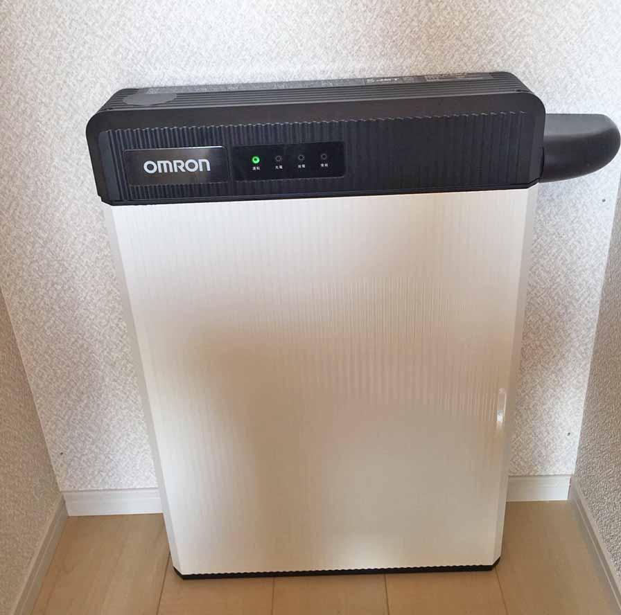 朝倉郡のA様邸にてオムロンの蓄電池設置しました。蓄電ユニットです。