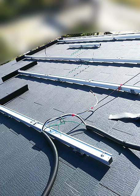 弥富市のS様邸でパナソニックの太陽光発電設置工事しました。レール架台取付。