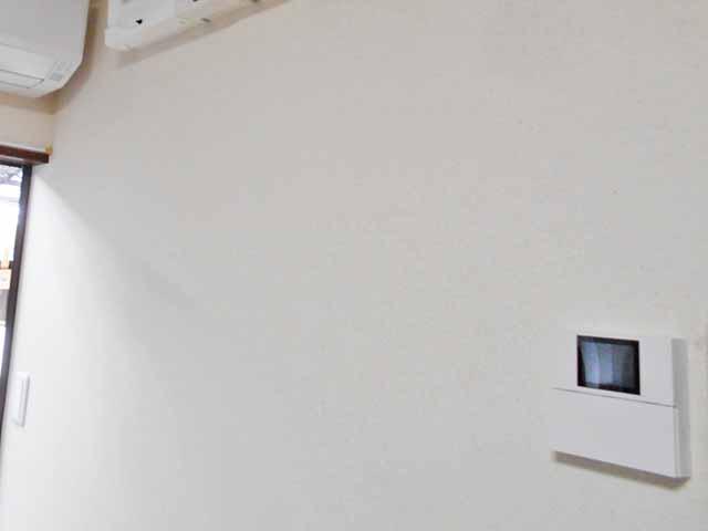 飯塚市の高良様邸にて長州産業のフレキシブル蓄電システムの設置工事しました。リモートコントローラ設置写真です。