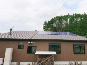 西都市の金丸様邸にて長州産業Gシリーズの太陽光発電システムの工事しました。