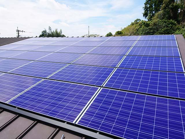 西都市の金丸様邸にて長州産業Gシリーズの太陽光発電システムの工事しました。太陽電池モジュール。