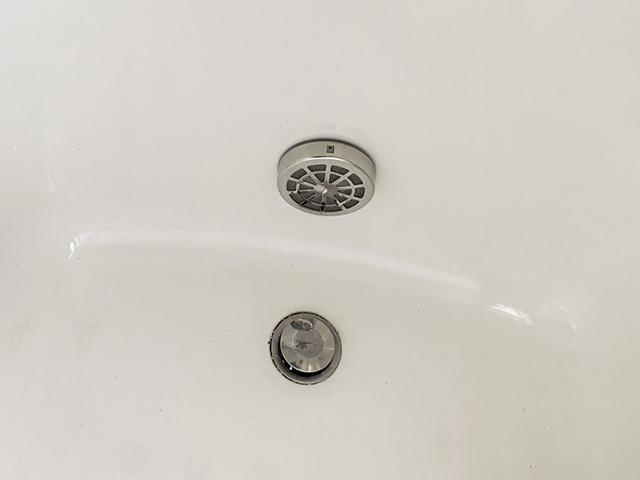 久留米市のS様邸にて三菱のエコキュート設置工事しました。浴槽アダプターです。