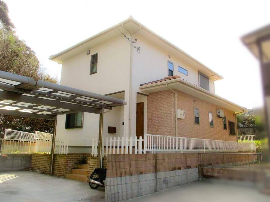山口県下関市のT様邸にて太陽光発電システムの設置工事をさせていただきました。