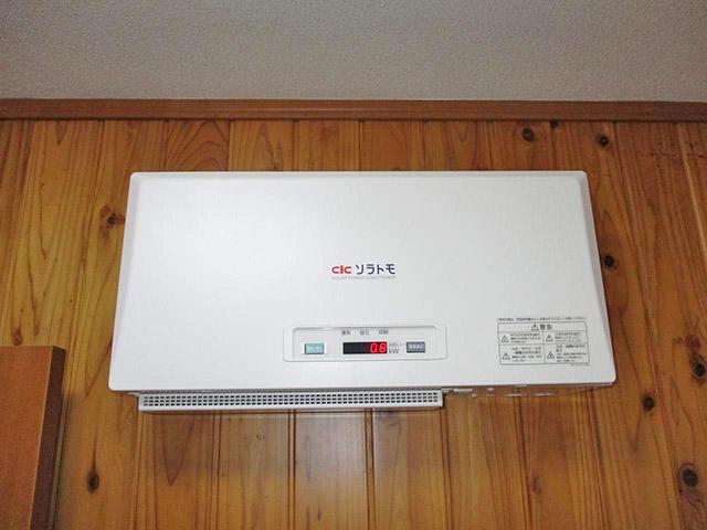 佐賀県唐津市のT様邸にて長州産業の太陽光発電システム設置工事しました。屋内設置タイプのパワーコンディショナです。
