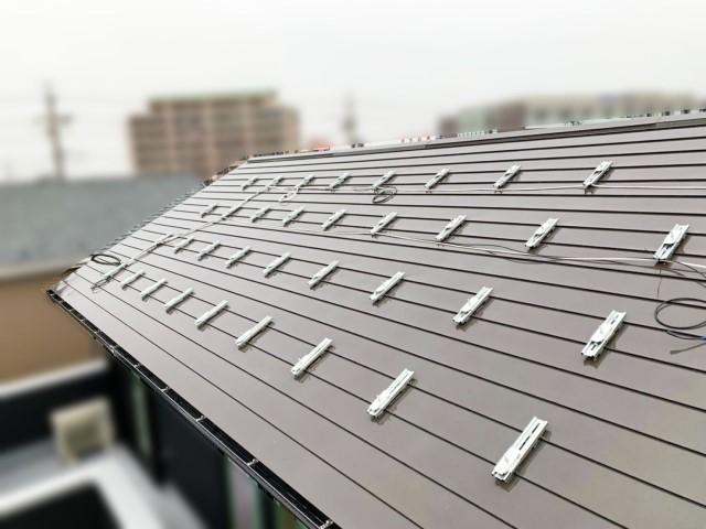 愛知県海部郡のH様邸にて、太陽光発電システムを設置しました≪施工中≫