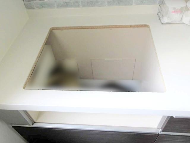福岡県遠賀郡S様邸にて、オール電化システムを設置しました!《ITクッキングヒーター・設置中》