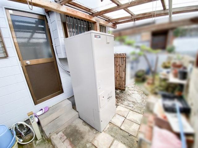 福岡県福岡市のK様邸にて、エコキュートの設置をしました≪本体≫