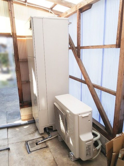 宮崎県児湯郡のO様邸にて、エコキュート設置しました≪施工後≫