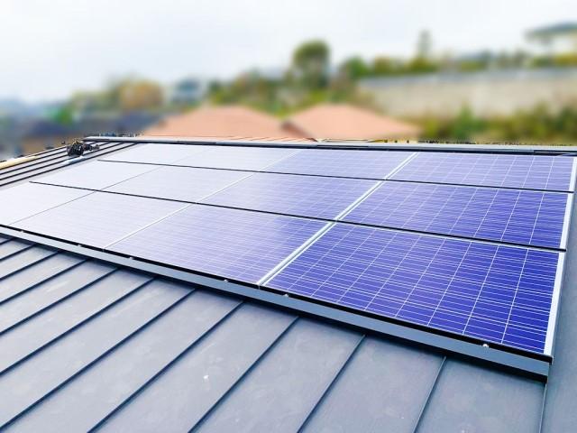 福岡県糟屋郡のE様邸にて、太陽光発電システムを設置しました≪施工後≫