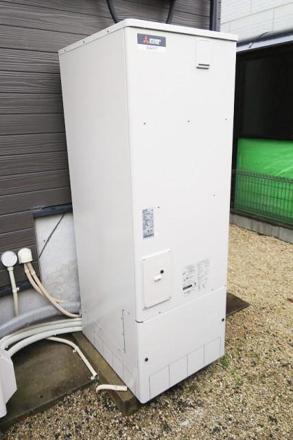 佐賀県神埼郡のK様邸にて、エコキュート設置しました≪貯湯ユニット≫