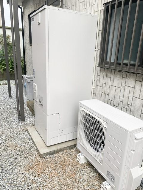 福岡県古賀市のS様邸にて、エコキュートを設置しました≪ユニット≫
