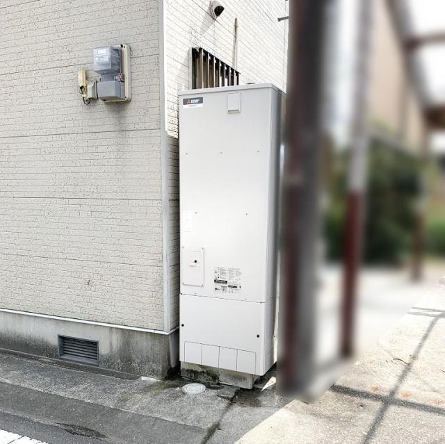 佐賀県多久市のJ様邸にて、エコキュート設置しました≪貯湯ユニット≫