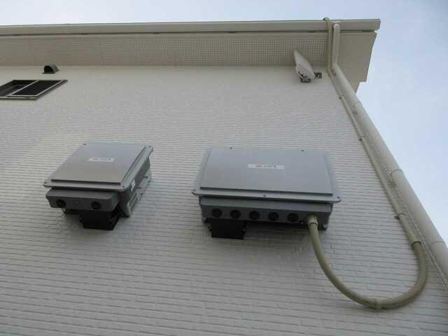 福岡県古賀市A様邸にて、太陽光発電システムを設置しました!《パワコン・施工後》