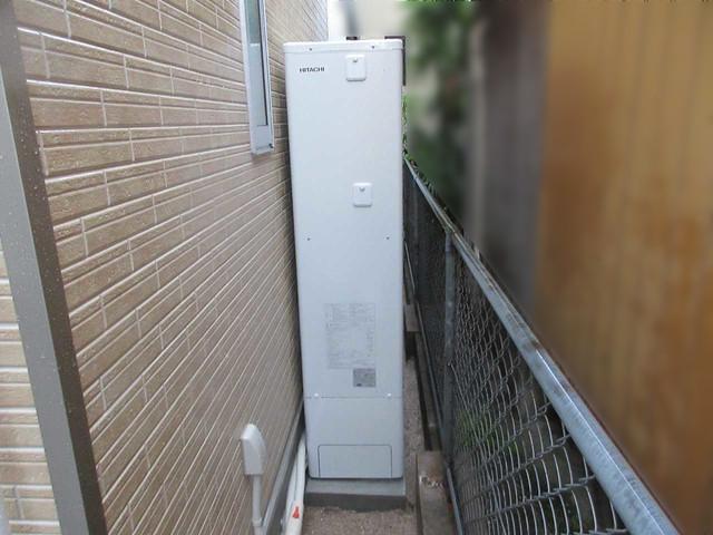 福岡県北九州市のT様邸にて、日立のエコキュート(370L)を設置させて頂きました。《エコキュート》