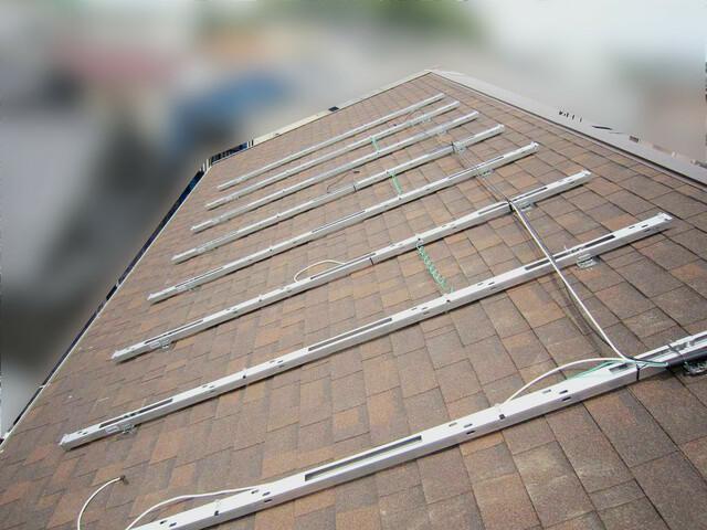 福岡県遠賀郡S様邸にて、太陽光発電システムを設置しました!《施工中》