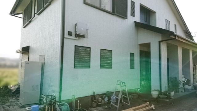 福岡県嘉麻市のN様邸にて、エコキュートを設置しました≪お家≫
