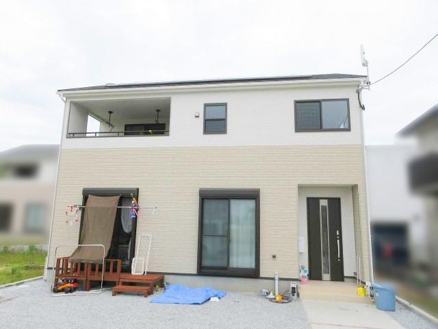 福岡県福津市のS様邸にて、太陽光発電システムを設置しました≪お家≫