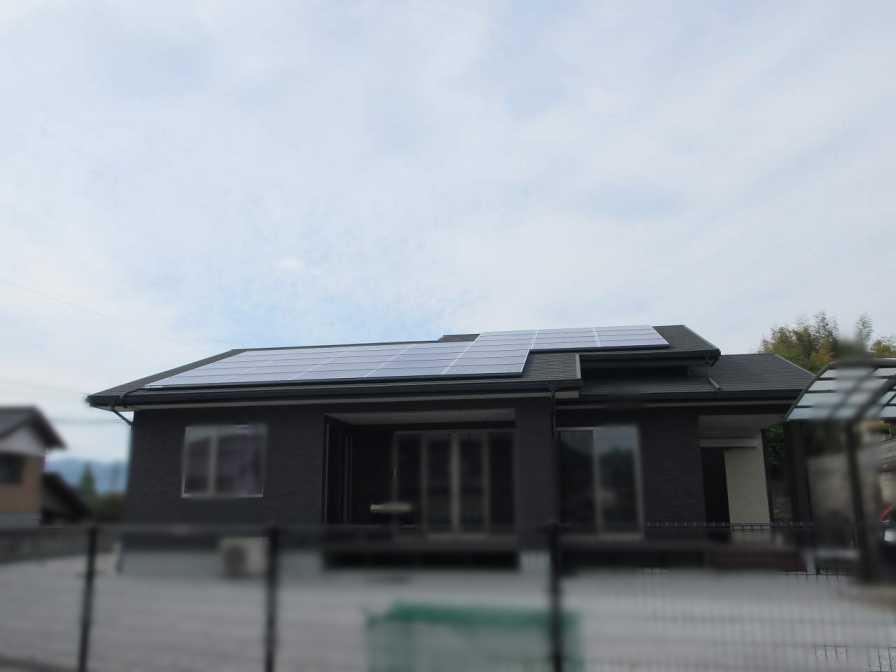 福岡県嘉穂郡のF様邸にて、太陽光発電システムを設置しました!