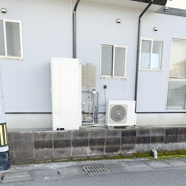 宮崎県都城市のS様邸にて、エコキュートを設置しました≪外観≫