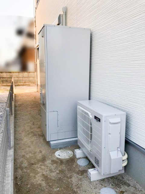 福岡県のF様邸にて、エコキュートの設置をしました≪エコキュート≫