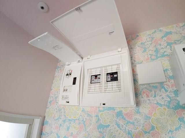 長崎県のM様邸にて、蓄電システムを設置しました≪分電盤≫内部